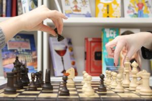 cwiczenie pamieci przez gre w szachy